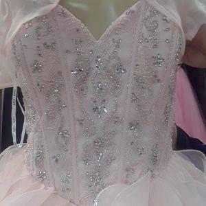 Dresses & Skirts - Quincera